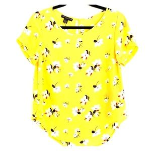 Yellow loose fitting blouse with flower print